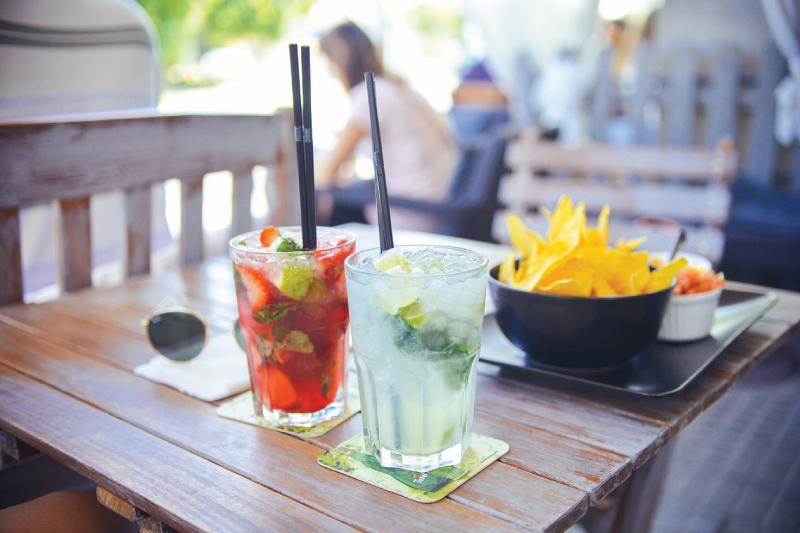 l'estate strgione ideale per bere alcolici