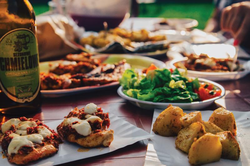 Le Intolleranze alimentari hanno molteplici sintomi ricorrenti: gonfiore addominale, mal di testa, tachicardia, sonnolenza, stanchezza, aritmie