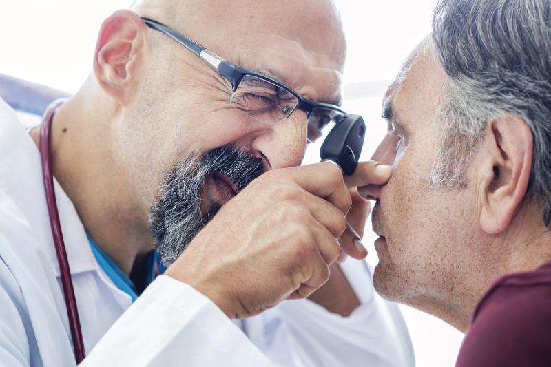 Cataratta sintomi, cura ed intervento