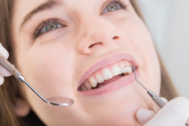 Otturazioni dentali. Quando servono e come sono fatte.